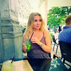 OnlyBlossom - Frauen im Genf befördert von dexy.ch